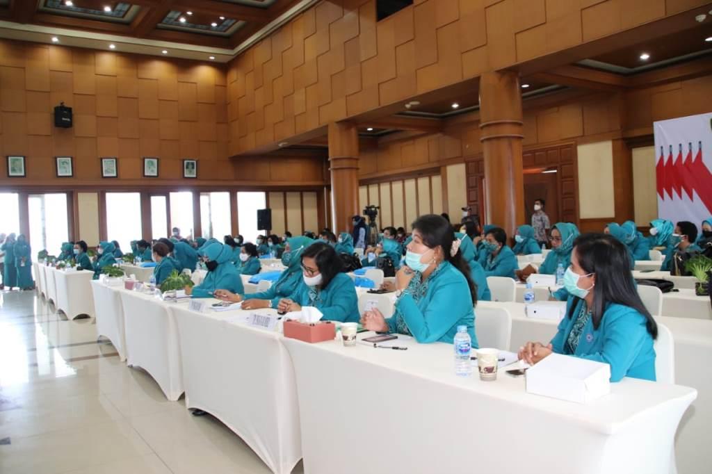 Tim Penggerak PKK Provinsi Maluku menggelar Rapat Konsultasi (Rakon) Tahun 2020. Rapat berlangsung di Lantai VII Kantor Gubernur Maluku, Senin (30/11/2020)