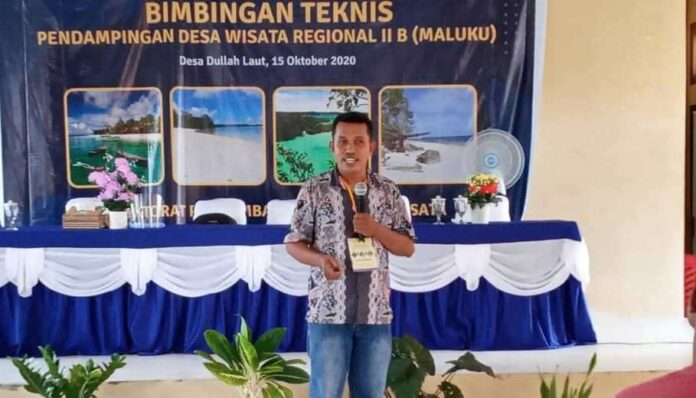 Ketua Program Studi Agrowisata Bahari Politeknik Perikanan Negeri Tual John Hungan. Foto: Facebook Marselus Hungan