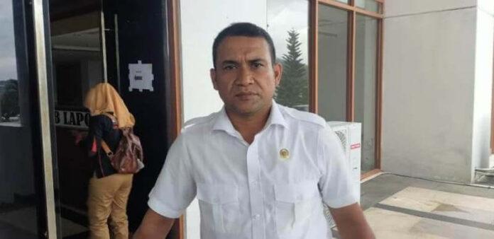 Anggota Komisi II DPRD Provinsi Maluku Aziz Hentihu