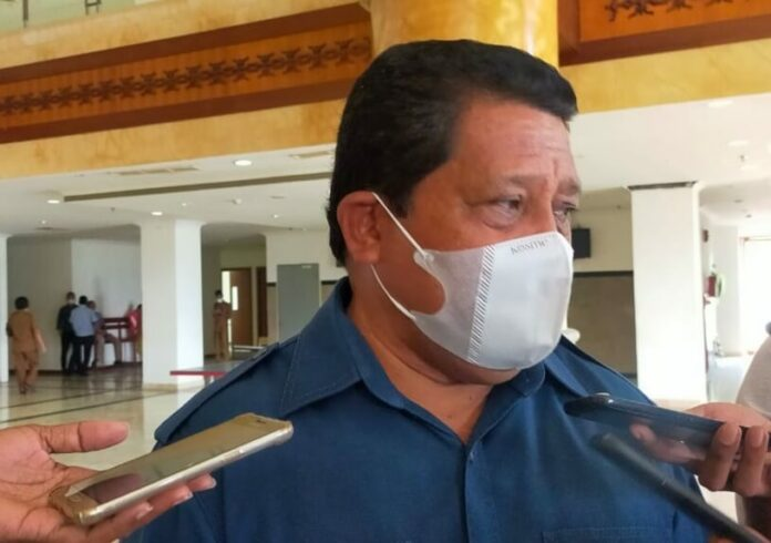 Ketua DPRD Maluku Lucky Wattimury