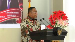 Walikota Tual, Adam Rahayaan