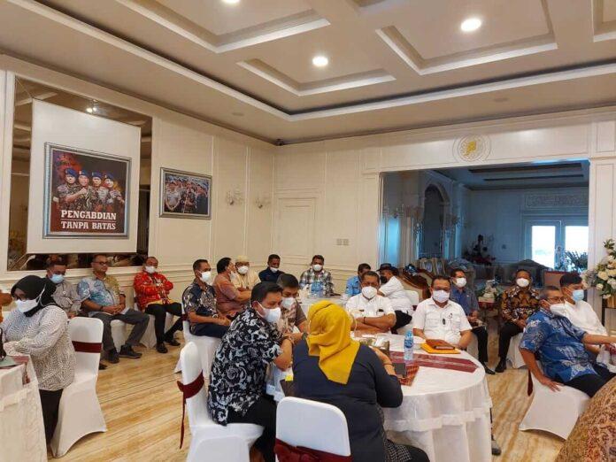 Suasana Rapat Pimpinan (Rapim) jajaran Pemerintah Provinsi Maluku, di kediaman Walela, Jumat (30/07/2021).