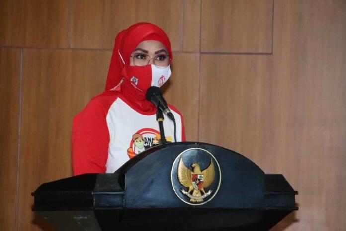 Ketua TP. PKK Maluku Ny. Widya Pratiwi Murad